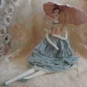 Doll Secret Garden w Parasol In Paris AS IS